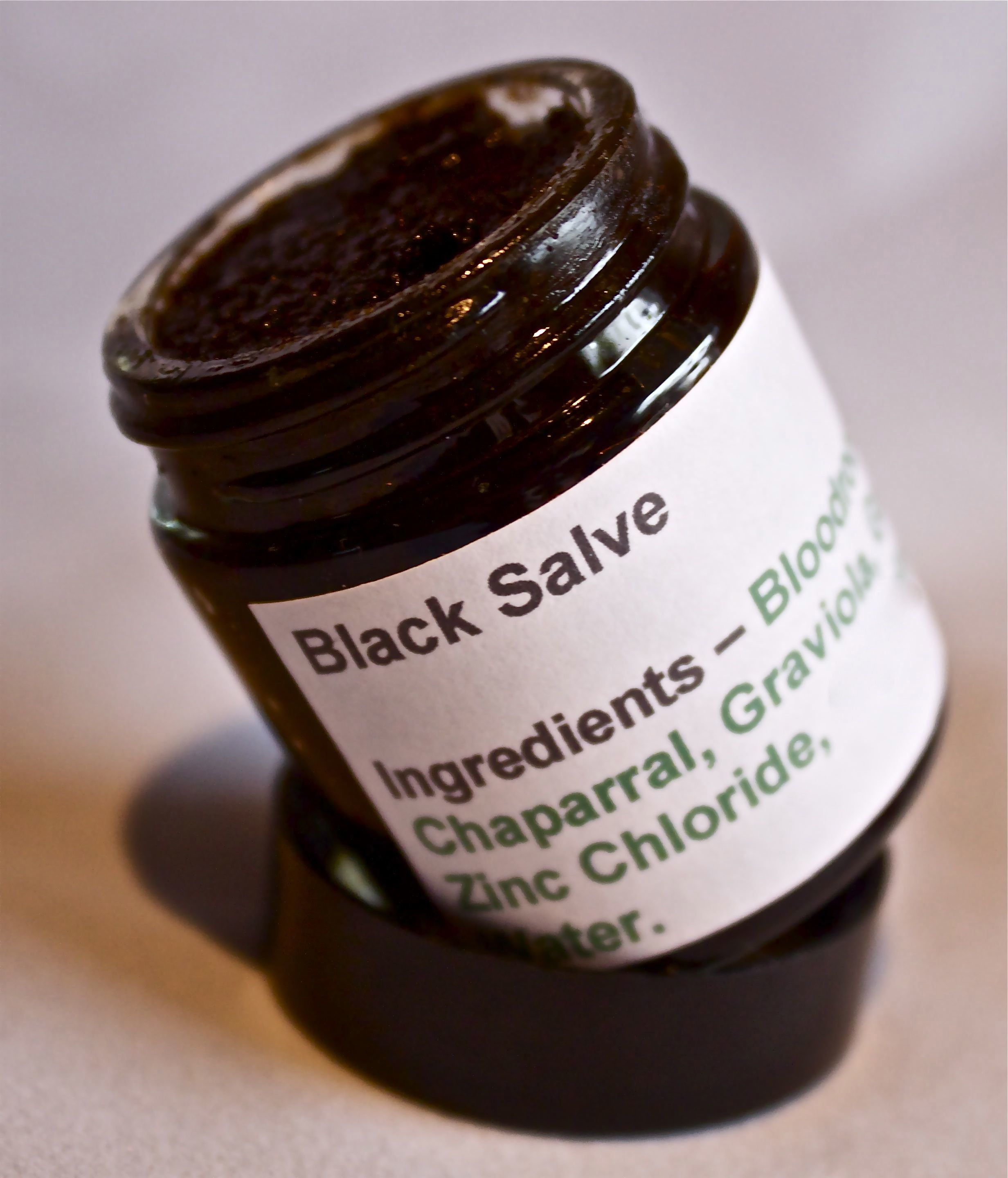 Black bloodroot salve